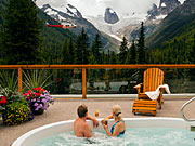 Bugaboo Heli-hiking Lodge - Hot tub to soak in after hiking