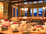 Bobbie Burns Heli-Hiking Lodge - Delicious Meals Included
