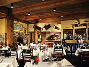 Moraine Lake Lodge - Fine dining and complimentary market-fresh breakfast