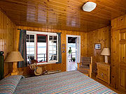 Killarney Lodge - Rustic Canadian furnishings