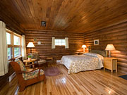 Killarney Lodge - Private Cabin with classic wood paneling