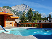 Moose Hotel & Suites - Rooftop Heated Pools