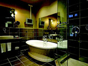 Hotel Place d'Armes - Modern bathroom