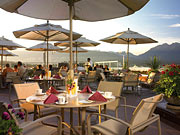 Pan Pacific Vancouver - Dine outdoors with a stunning view.