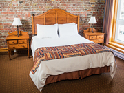 Murray Premises Hotel - Queen Bed Room