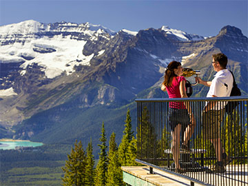 Enjoy free tours & hotel upgrades on your 2017 summer vacation in Canada