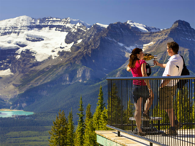 Make your 2018 Canadian vacation extra special with free travel credits