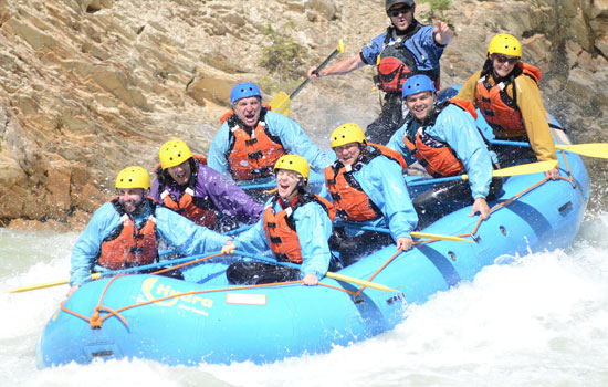 River rafting in the cnadian Rockies