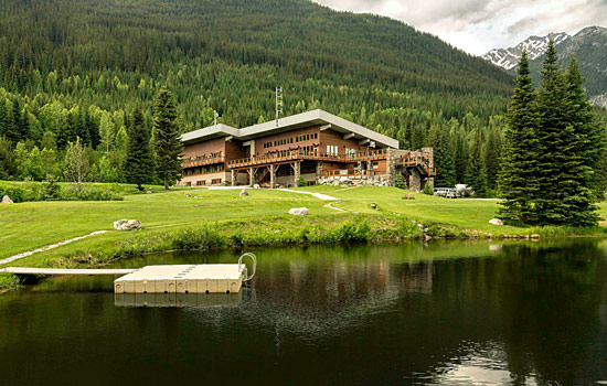 The Bugaboo fly-in heli-hiking lodge in the Bugaboo National Park
