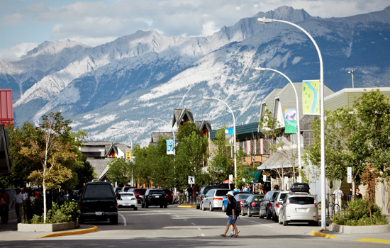 Arrive into the quaint town of Jasper deep in the heart of the Canadian Rockies.