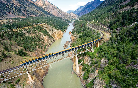 Travelling by rail is the best way to see Canada's amazing landscapes in comfort and style.