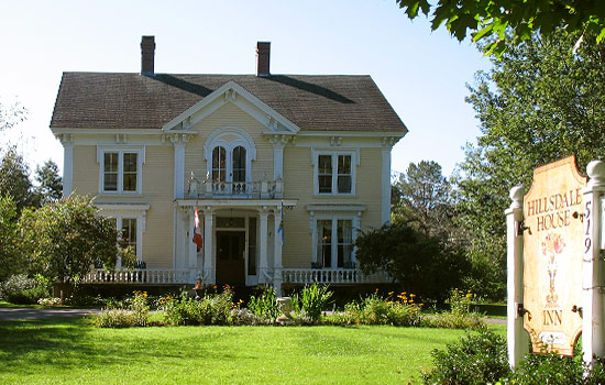 A charming and traditional Nova Scotia inn